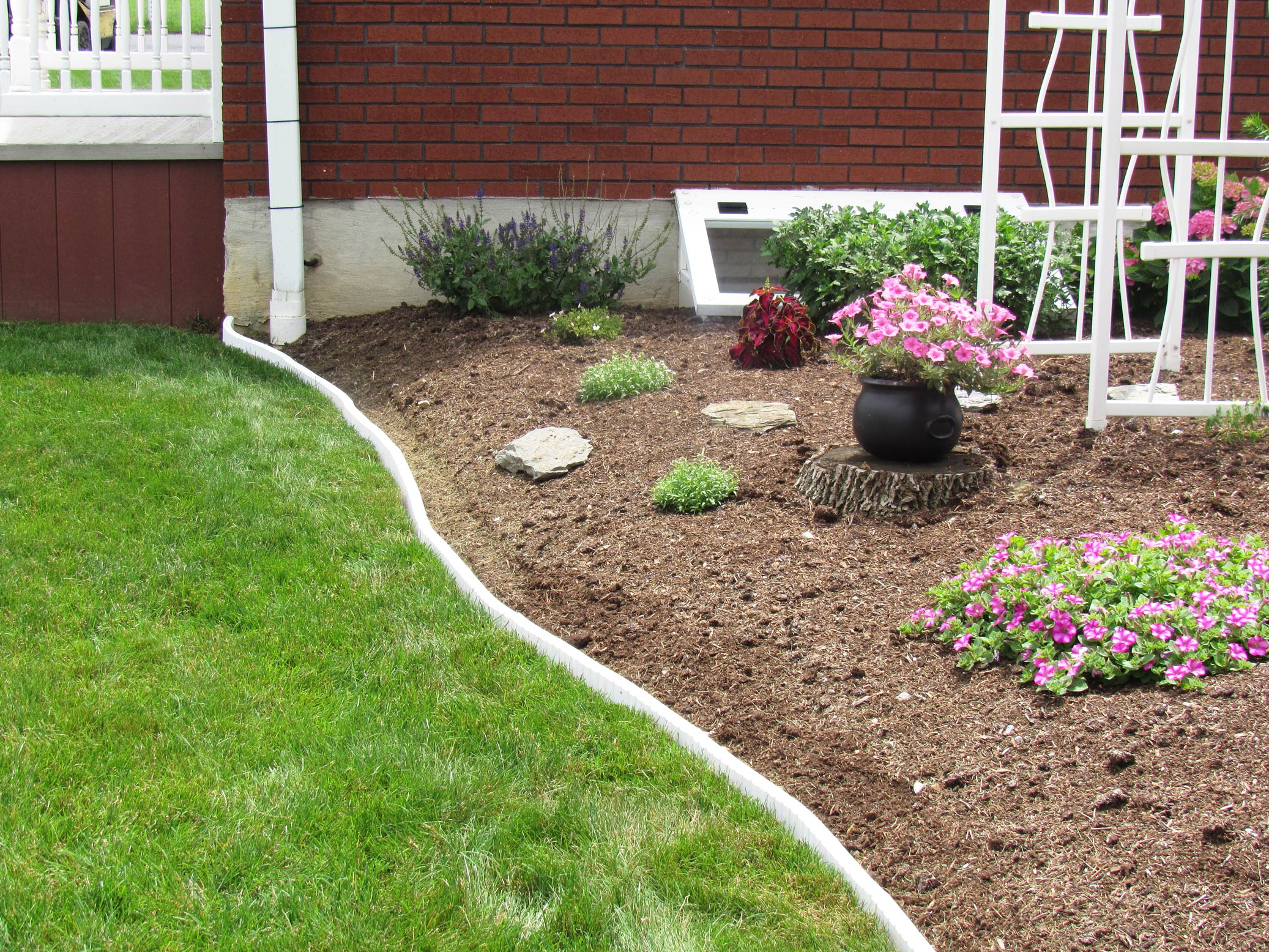 Image gallery lawn edging for Garden trim